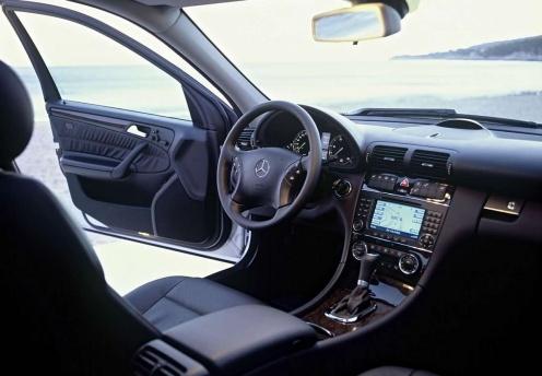 Mercedes-Benz Klasy C W203 Wnętrze