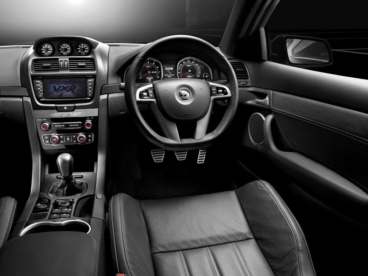 Mercedesa | Vauxhall VXR8