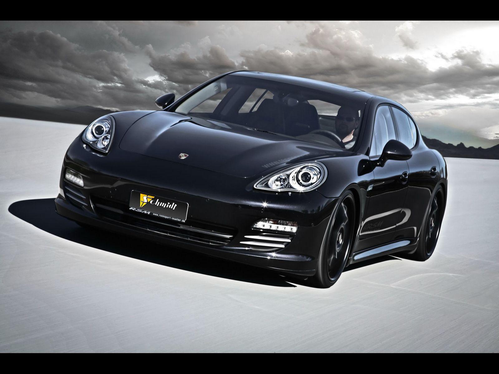 Porsche Panamera 4S to