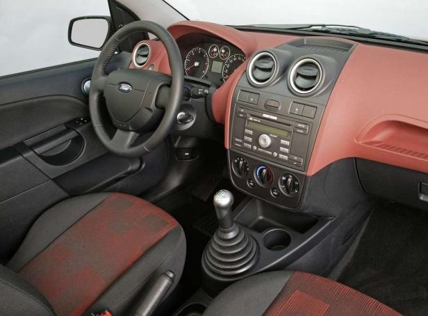 Ford Fiesta MK6 Wnętrze