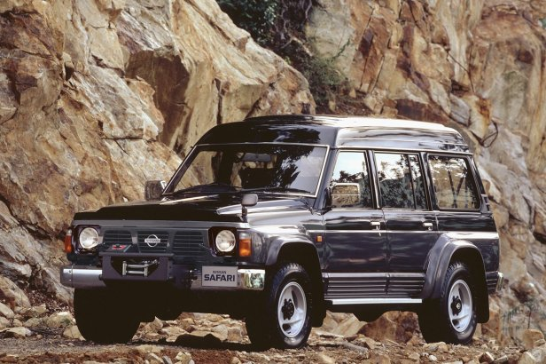 Nissan_Safari_88-97