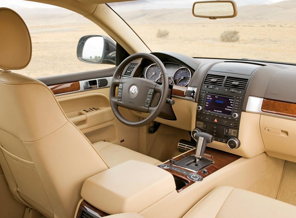 Фото интерьера Volkswagen Touareg…