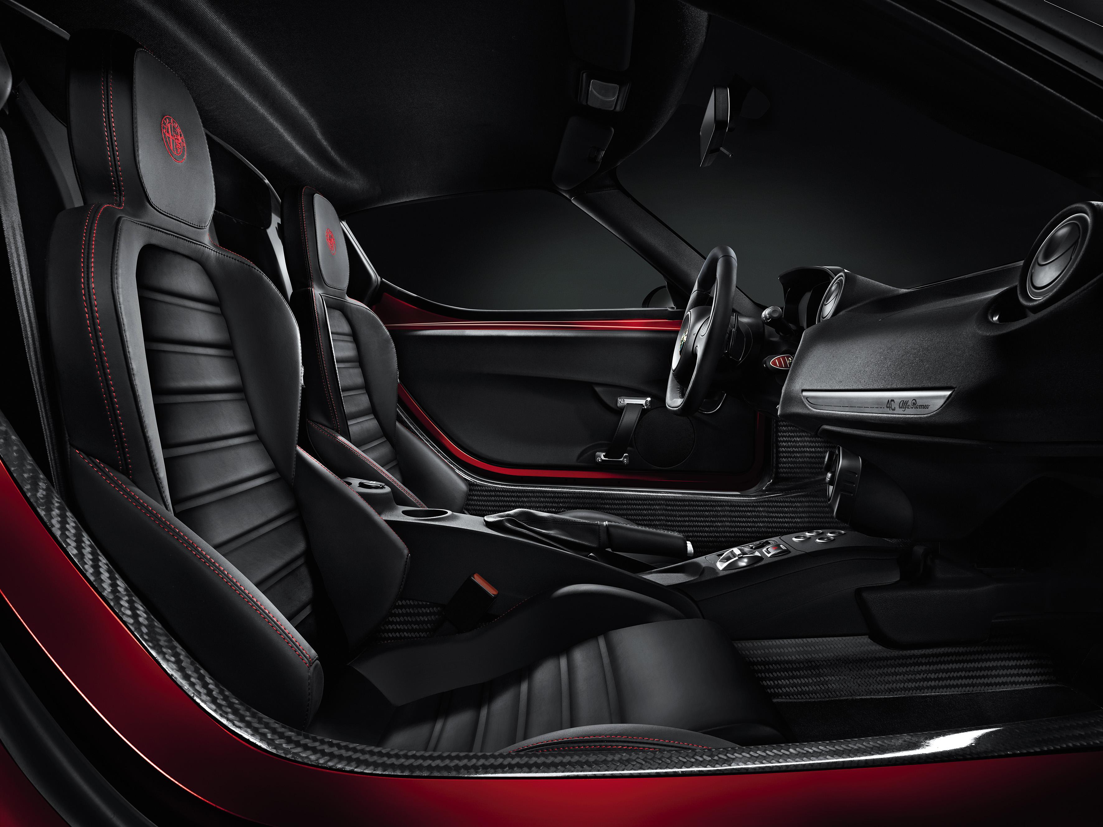 Alfa Romeo 4C zapowiedziana pierwsze zdjęcia wnętrza [aktualizacja