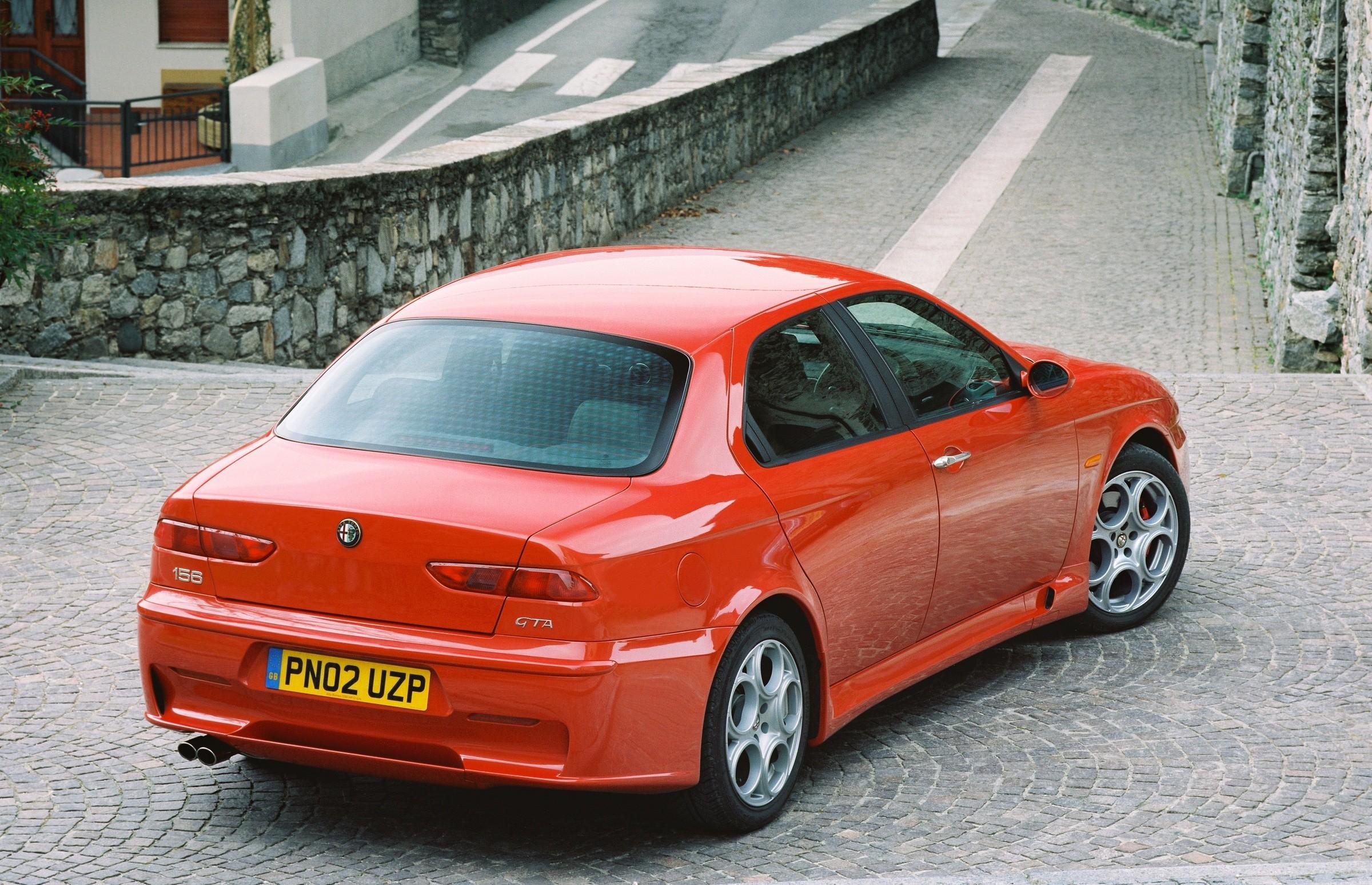 Sportowe sedany wycofane z produkcji Alfa Romeo 156 GTA sportowe