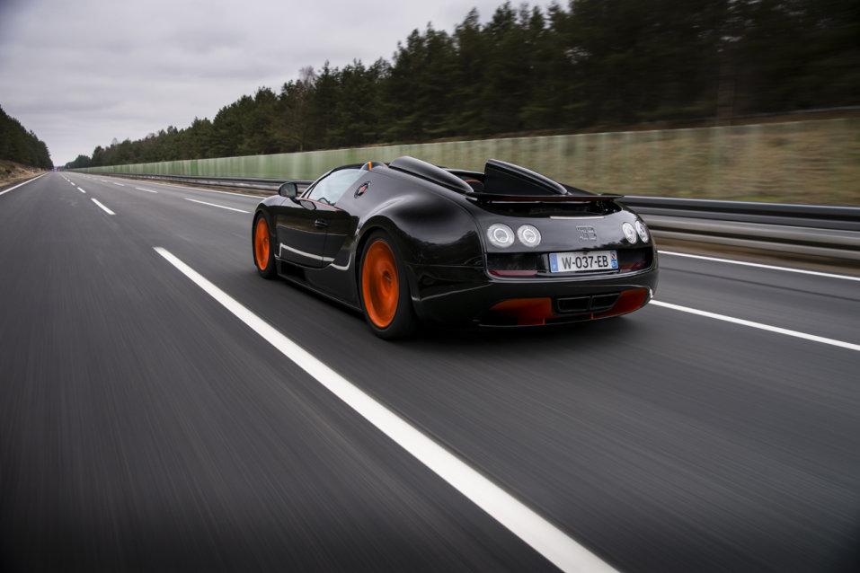 bugatti veyron grand sport vitesse najszybszym kabrioletem. Black Bedroom Furniture Sets. Home Design Ideas
