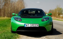 Tesla Roadster Sport - Nowa Tesla Roadster nie tak szybko - co w zamian?