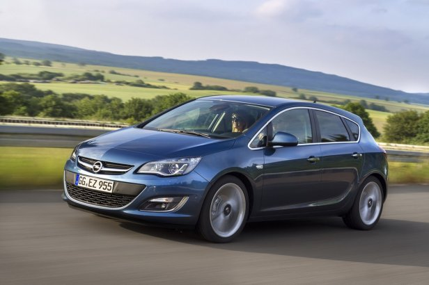 Opel-Astra-5-door-1[3] - Nowa jednostka napdowa debiutuje w Oplu Astrze