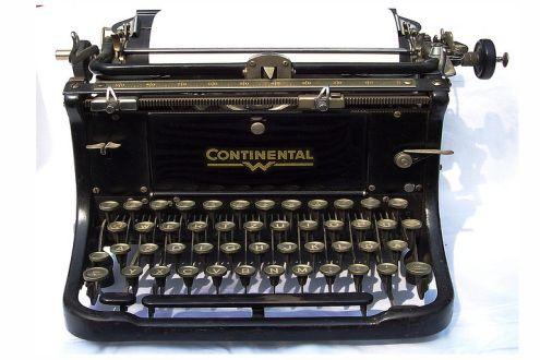 Maszyna do pisania (Fot. Flickr/Valeriana Solaris/Lic.CC by)