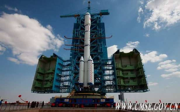 Rakieta Długi Marsz IIF z modułem Tian Gong 1. Przygotowania do startu (Fot. CMSE.gov.cn)