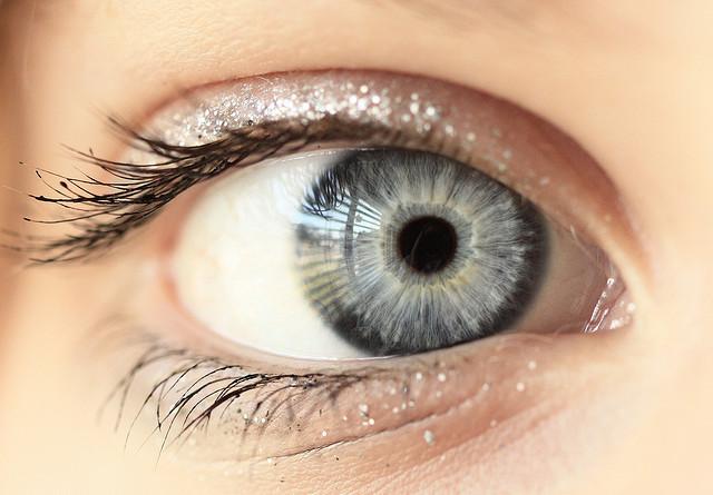 Мастер-класс: макияж для серых глаз