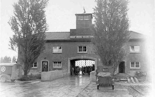 Brama niemieckiego obozu koncentracyjnego Dachau