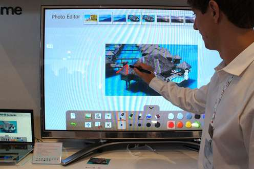 Telewizor plazmowy zdotykowym ekranem LG PZ850 (Fot. NextGadget.com)