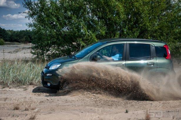Fiat Panda 4×4 – test SmartDriver (fot. Mariusz Zmysłowski) (15) - Jak wydobyć auto zakopane w piachu?