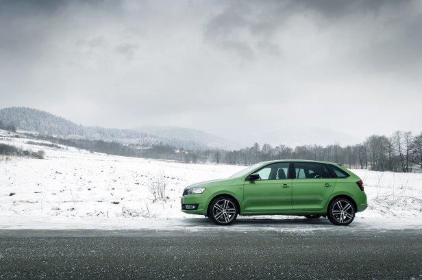 Skoda Rapid w górach | fot. Mariusz Zmysłowski © 2014 - Jak przygotować samochód do zimy?