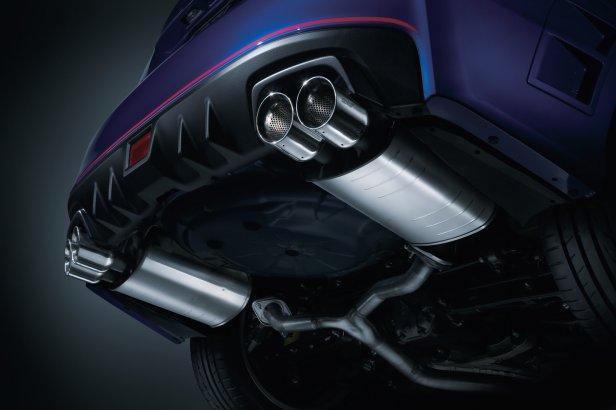 Wydech (fot. Subaru) - Co oznaczają różne kolory spalin?