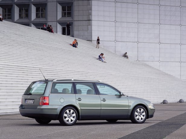autowp.ru_volkswagen_passat_variant_40 - Samochody używane za 500+?
