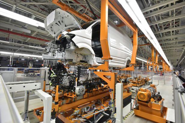 20161024hs00006 - Wielkie plany producentów samochodów w Polsce