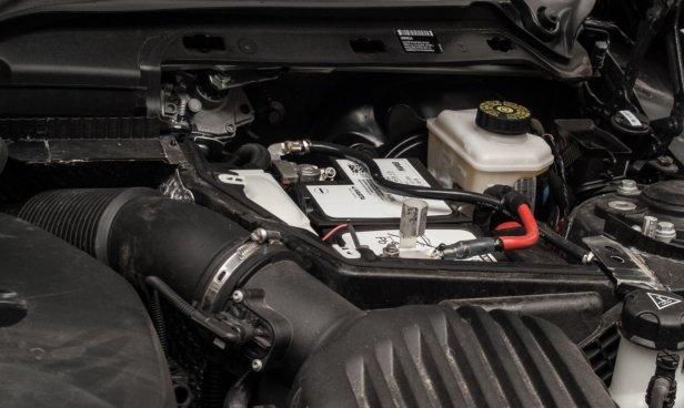 Akumulator samochodowy (fot. Marcin Łobodziński) - Jak wymienić akumulator samochodowy?